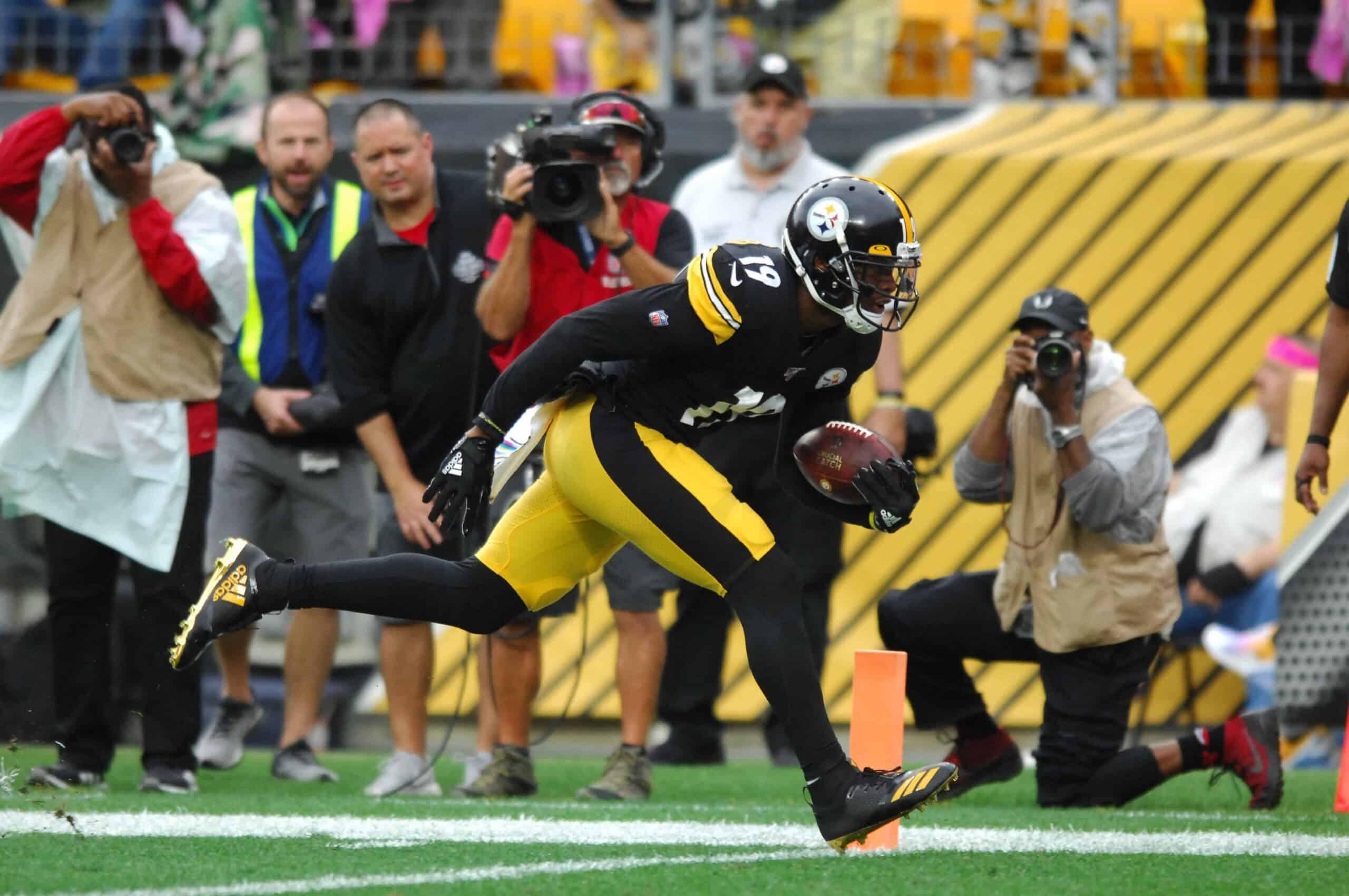 Der Pittsburgh Steelers Wide Receiver JuJu Smith-Schuster.
